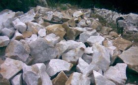 石英砂石制砂生产线设备如何配置